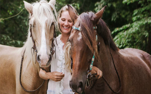 Horse tours in Coco beach Costa Rica La Montana with Desafio.