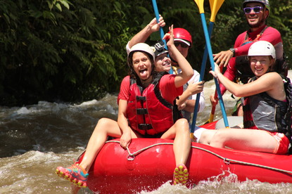 Having fun whitewater rafting in Costa Rica with Desafio on Ziplining Rafting Combo.