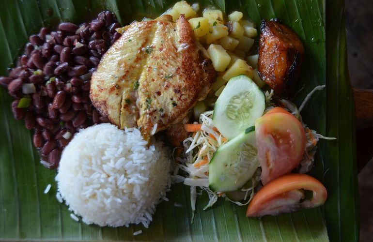 Delicious food on the Arenal Combo tour with Desafio.