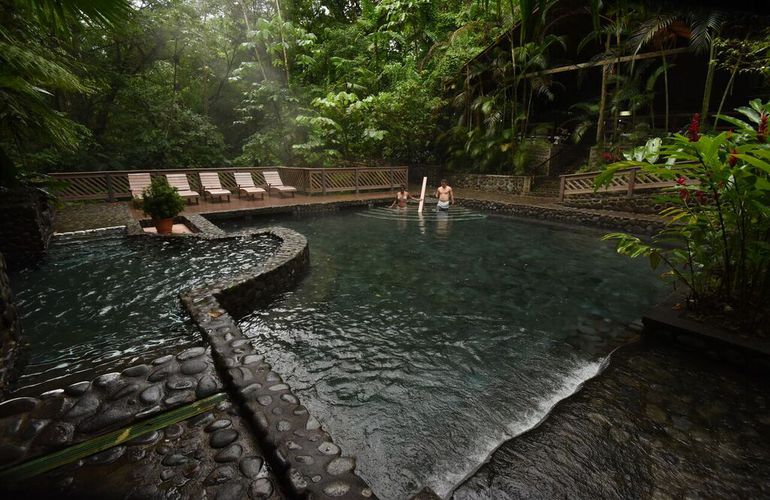 Great way to relax in Ecotermales Arenal Combo Desafio.