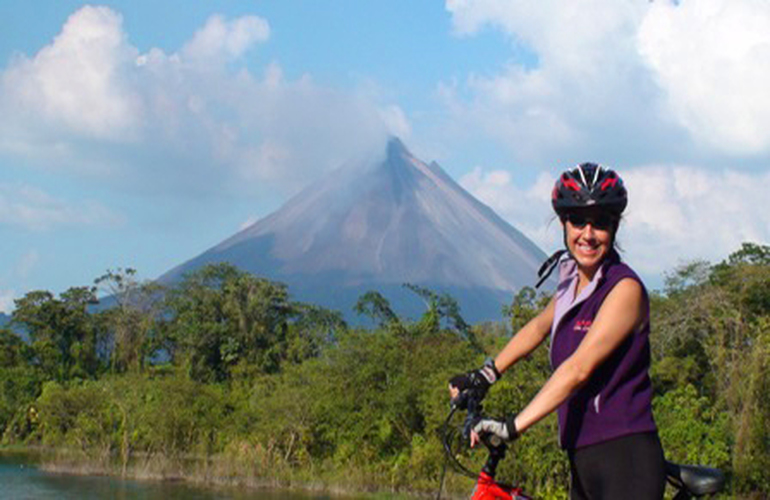 Adventure Connection biking and paddling between La Fortuna and Monteverde.