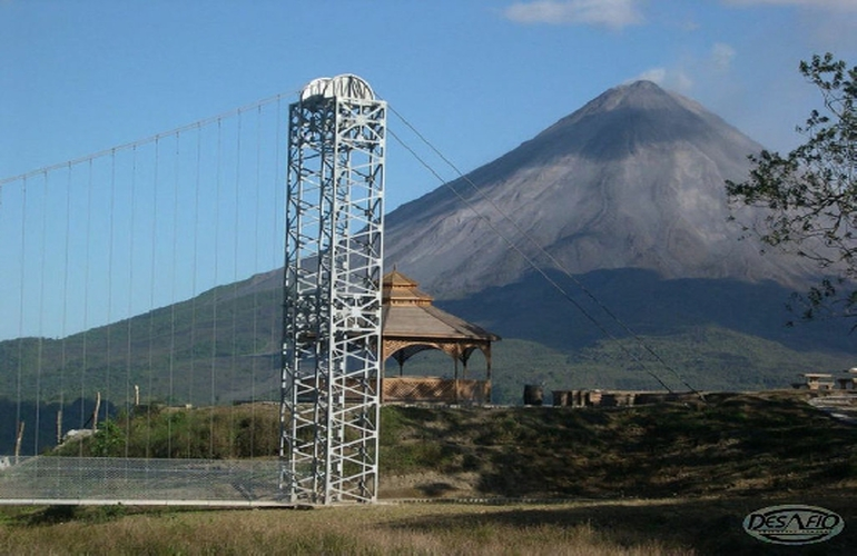 Hanging Bridges tour with the amazing view to the Arenal Volcano!