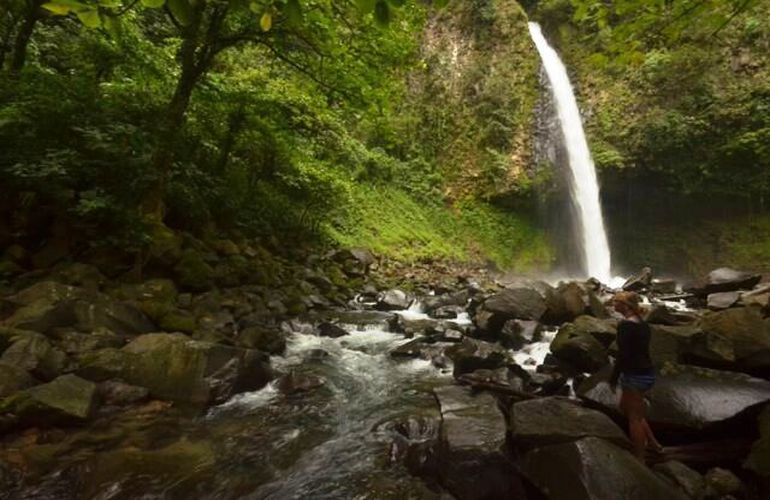 The La Fortuna Waterfall is a must see with Desafio.