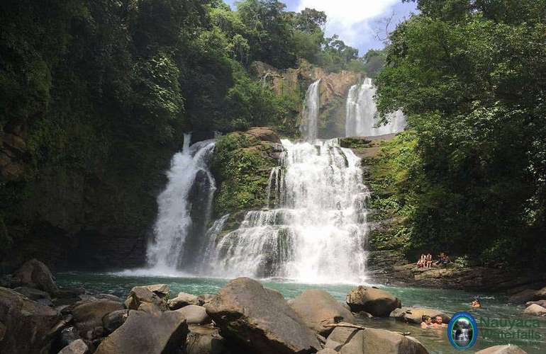 Nauyaca Waterfall tour in Domincal Costa Rica.