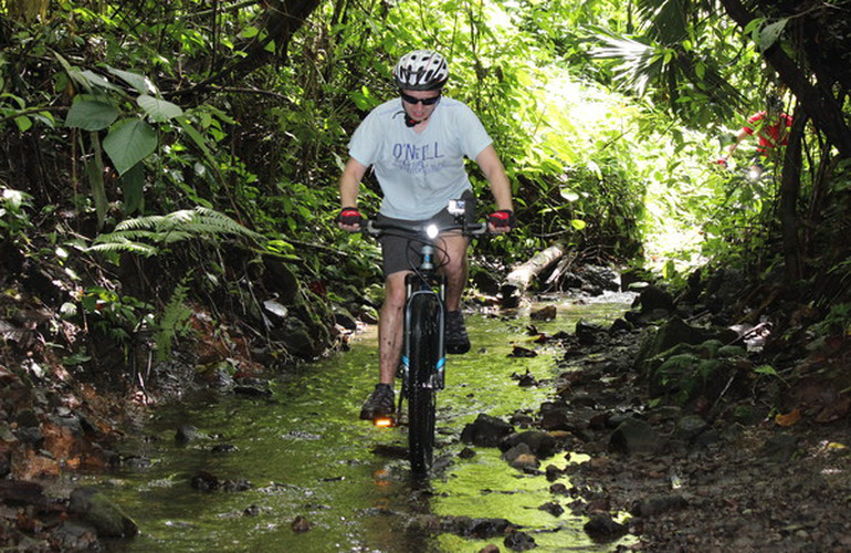 We have just discovered this awesome single-track trail near the the Arenal Volcano National Park