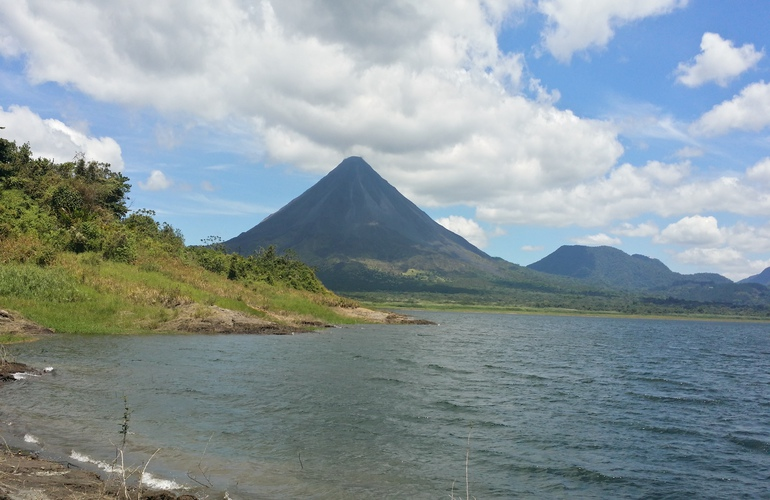 Get the best views of the Arenal Volcano with Desafio.