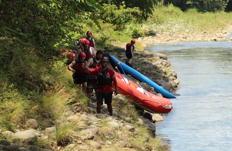 You will have certified, qualified guides on the Desafio Team Building Adventure Rafting in Costa Rica!