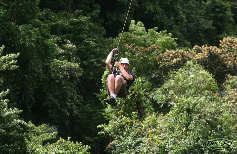 Best canopy zipline tour in Arenal.