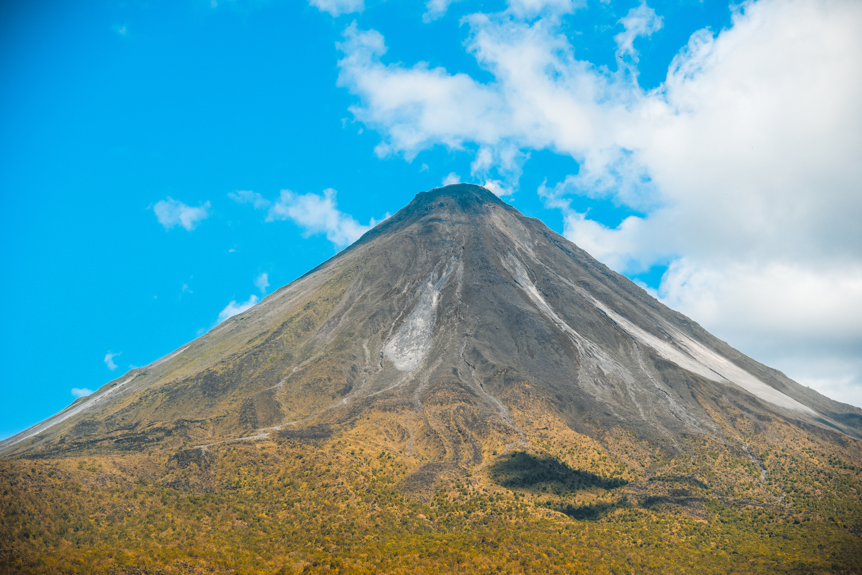Fall in love like never before with the breath- taken Arenal Volcano in La Fortuna!