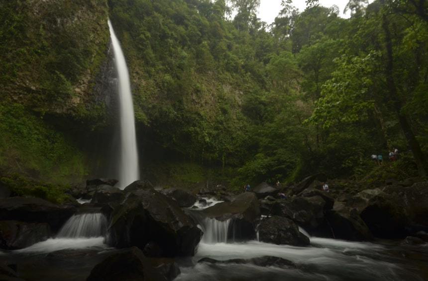 The fascinating cristal waters of La Fortuna´s Waterfall will be waiting for us!