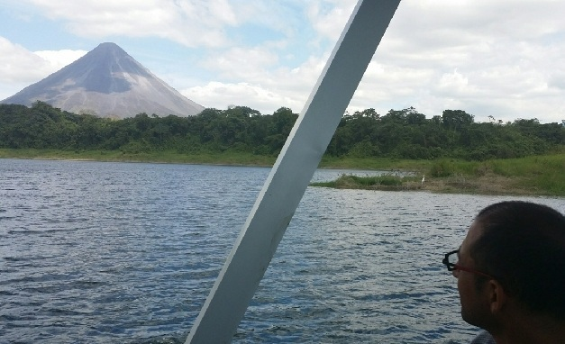 Take a Private Boat Transfer La Fortuna Arenal to Monteverde Taxi Boat Taxi with Desafio Adventure Company.