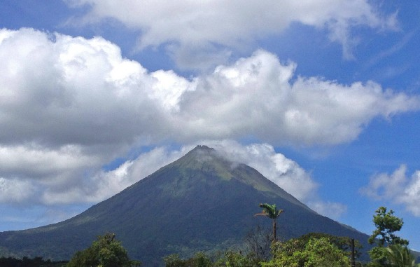 The quintessential Arenal Volcano tour with therapuetic natural hot springs!