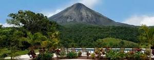 One of the closest hotels to the volcano, you can see the best views of Arenal volcano at Arenal Kioro. Desafio can help you get the best prices on your Costa Rica vacation!