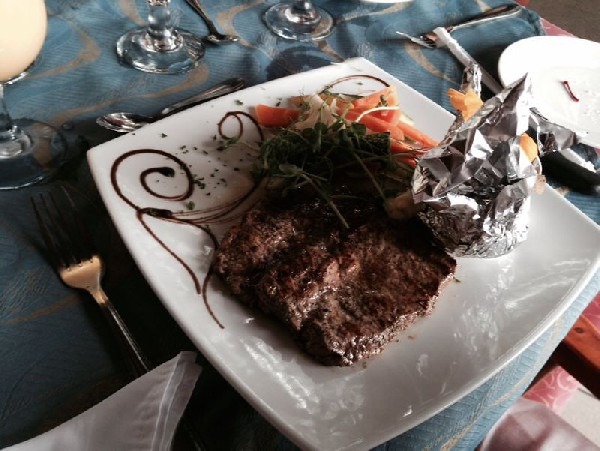 Delicious international and typical food served at Arenal Paraiso Resort and Spa - one of the best hotels near La Fortuna Costa Rica.