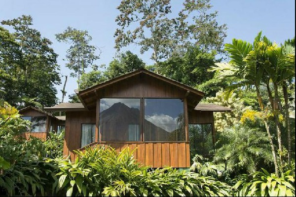 Book the Arenal Paraiso featuring magnificent volcano views located in beautiful Arenal Costa Rica.