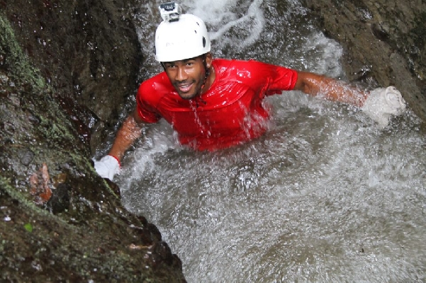 Lost Canyon canyoning in La Fortuna!