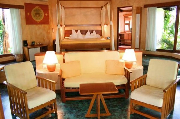 Comfortable rooms at Capitan Suizo in Tamarindo.