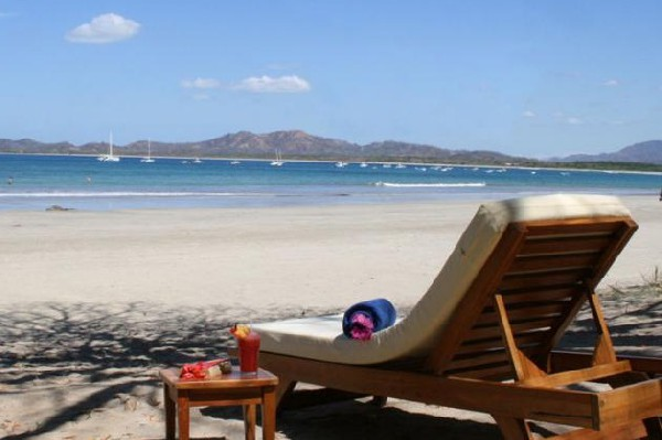 Comfortable seat on the beach at Capitan Suizo in Tamarindo.