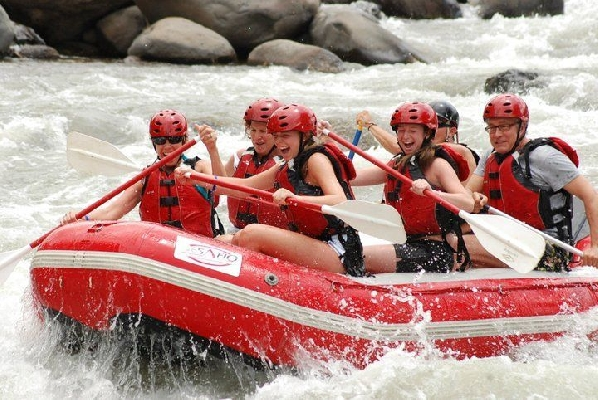 Enjoying one of the most beautiful experiences doing rafting in Costa Rica!!