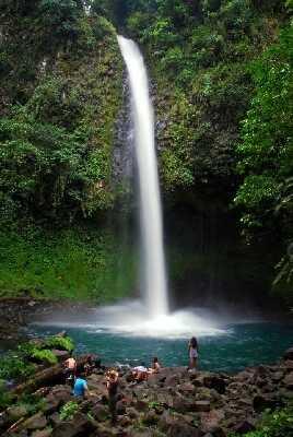 The famous La Fortuna Waterfall