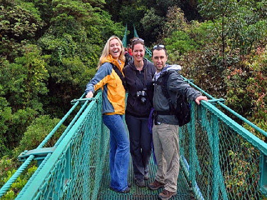 Spending time with friends in Monteverde´s Hanging bridges!