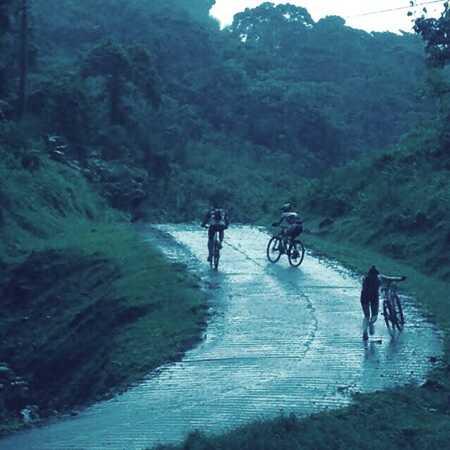 Extreme mountain biking in Costa Rica with Desafio Adventure Company