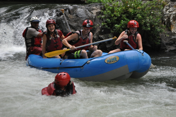 Experience water like never before with Desafio rafting Costa Rica.