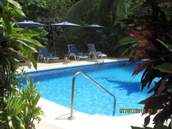 One of the two pools at Hotel Belvedere in Playa Samara. Desafio can help you plan an affordable vacation to Costa Rica!