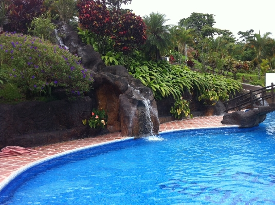 Hotel Los Lagos has lots of thermal hot springs and cold pools and is considered one of the best family hotels in La Fortuna. Desafio can help you plan your perfect family vacation to Costa Rica!