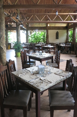 Los Lagos offers delicious meals and is one of the best family hotels in Costa Rica. Desafio offers the best adventures in Costa Rica!