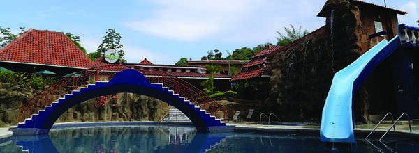 Fun pool at San Bada Hotel Manuel Antonio.