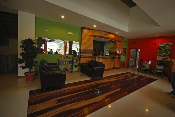 A modern and welcoming lobby with knowledgeable and friendly staff greet you at Hotel La Fortuna.