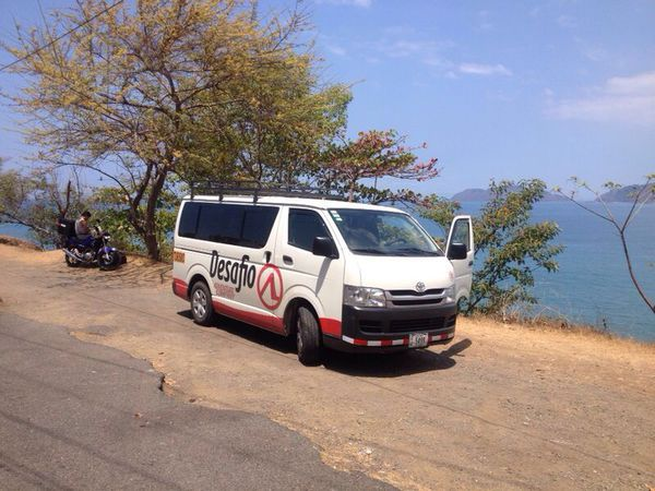 Transportation from San Jose to Manuel Antonio with Free Wifi on board!