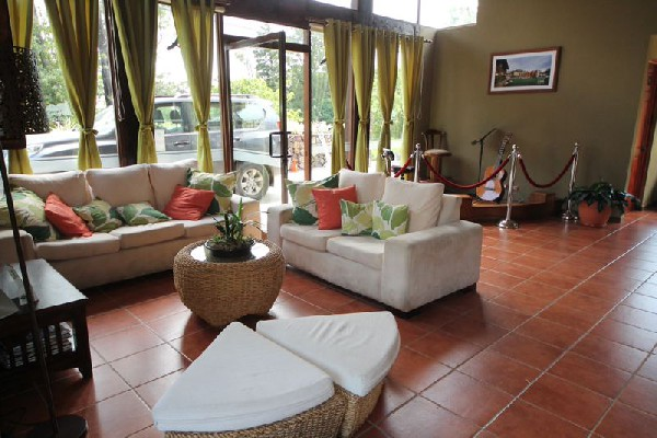 The reception area welcomes you at Monteverde Country Lodge.
