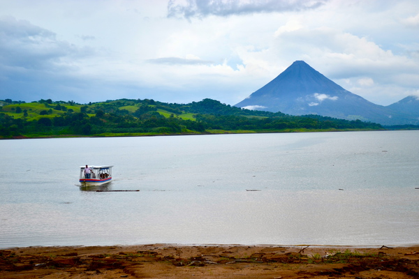 Taxi Boat Taxi  Transfer at Arenal Lake