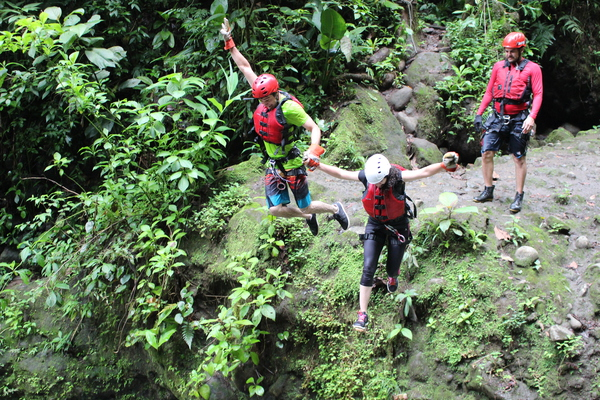 Gravity Falls Waterfall Jumping is a Costa Rica extreme tour with fun jumps.