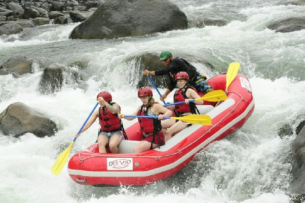 "Bring on the adrenaline and enjoy the ""Jungle Run"" on the Sarapiqui River."