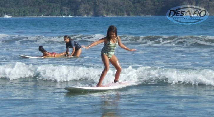 Practice surfing in Tamarindo is a great family activcity.