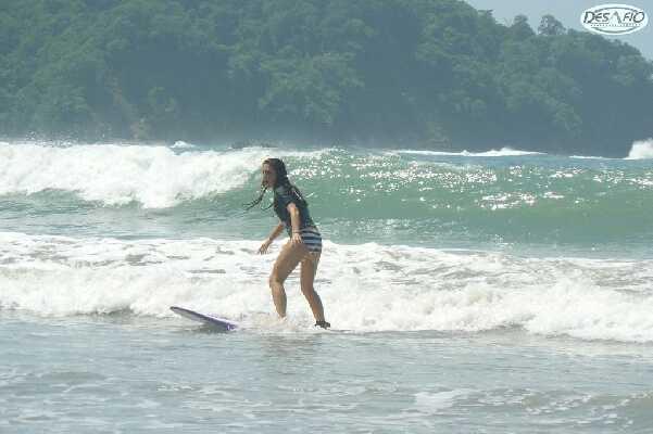 Practice surfing in Tamarindo.