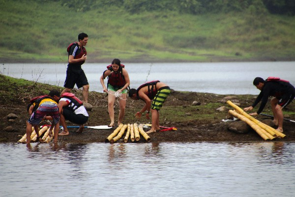 Survivor! Create a boat to get yourself across the water.