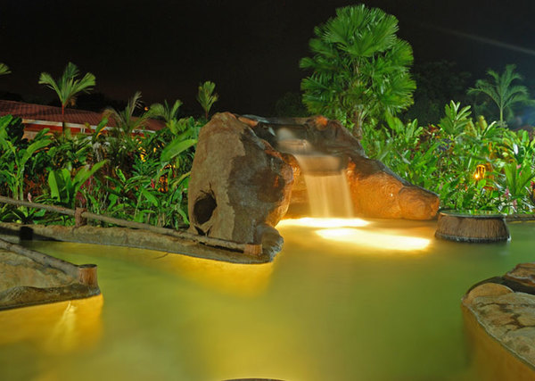 On property hot springs at Volcano Lodge & Springs in La Fortuna, Costa Rica. As a partner hotel to Desafio, we can get you the best prices on hotels and your entire Costa Rica vacation!