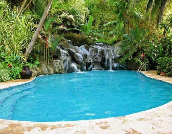 Excellent pool at Ylang Ylang Beach Resort in Montezuma.