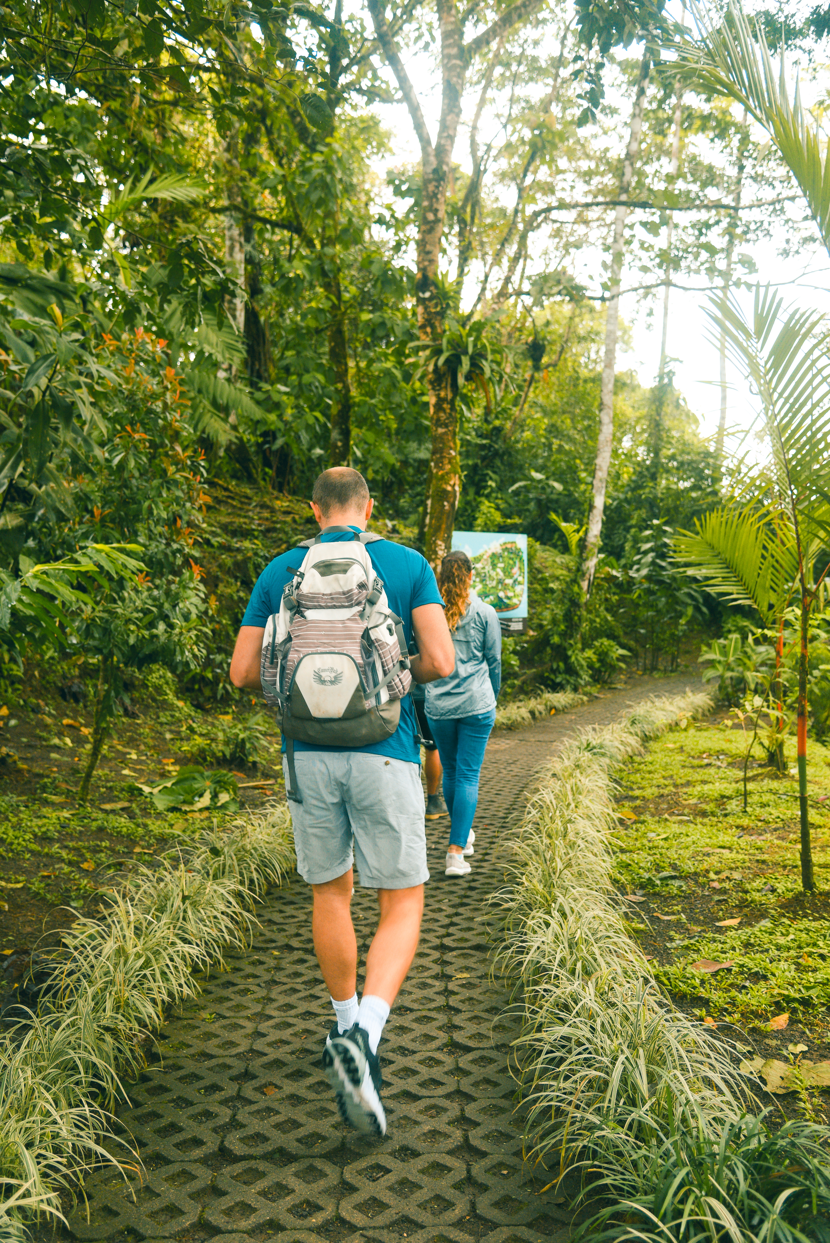 Feel safe on our Arenal Highlight Combo trails in la Fortuna, Costa Rica!