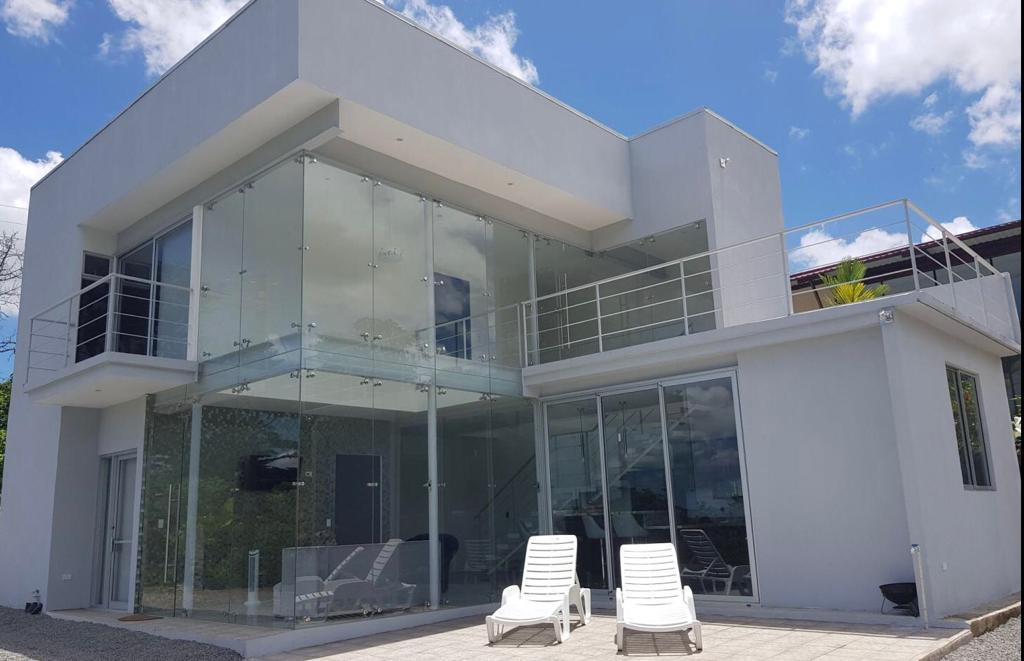 One of the most luxurious AirBnB rental homes in La Fortuna Arenal.