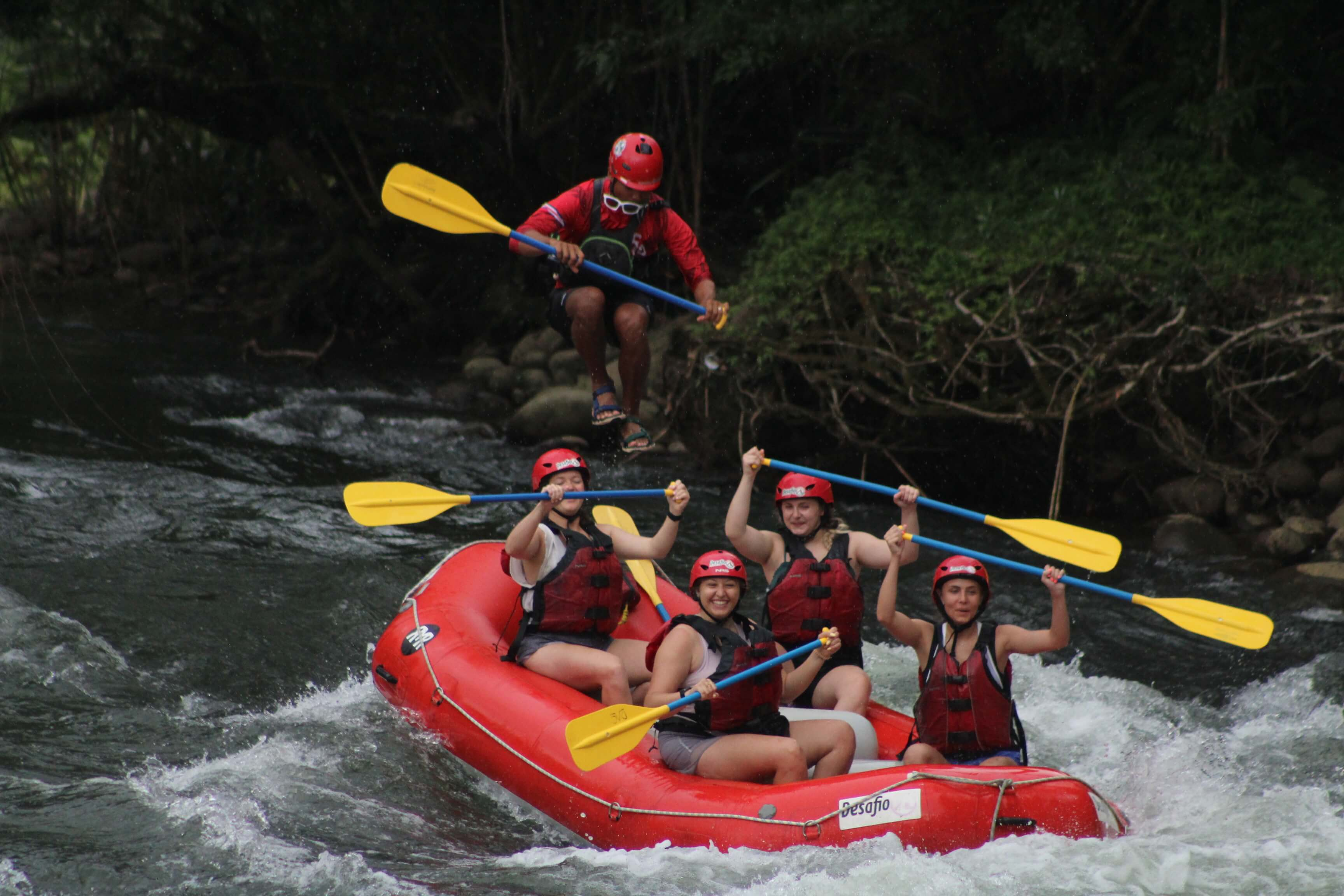 Get a private raft guide while white water rafting in Costa Rica with Desafio Adventure Company.