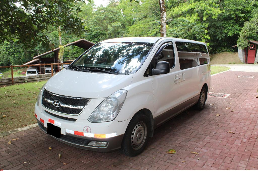 Have your own mobility in a rental van during your travels in Costa Rica.
