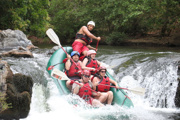 Get ready for intense rafting on the Tenorio River with Desafio.