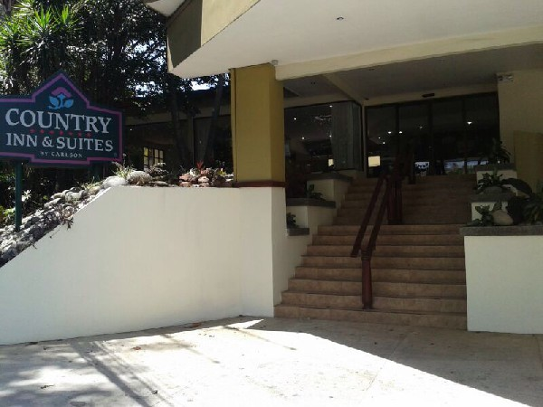 Country Inn & Suites is a great hotel option for late arrivals or early departures into the San Jose, Costa Rica airport. Desafio can help you plan your custom Costa Rica vacation!