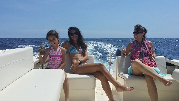 Enjoy spending time with your family and friend in a Dolphin Sightseeing and Snorkeling Tour!