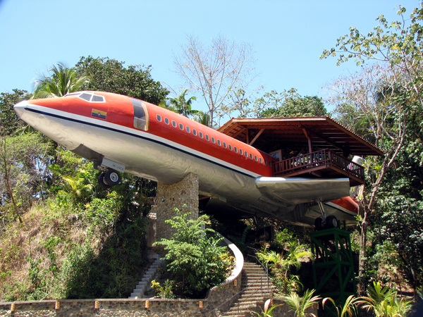 727 Fuselage Home at Costa Verde II room amenities include: air conditioning, flat-screen TV, dining area, gardens and kitchenette. Desafio can help you plan a once in a lifetime trip to Costa Rica!